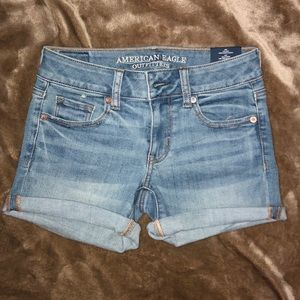 NWT American Eagle jean shorts size 0